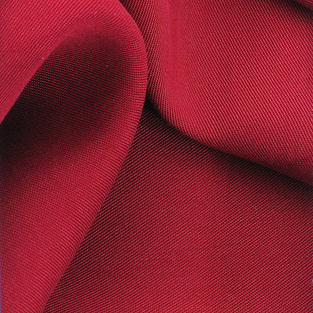 0949 - 100 % Tencel® Soft Gabardine in Burgund Rot
