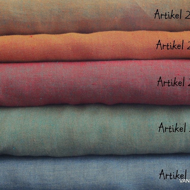 100% linen, twill 2Tone effect can be used on both sides red/mintgreen | View: 00% linen, twill 2Tone effect can be used on both sides red/mintgreen