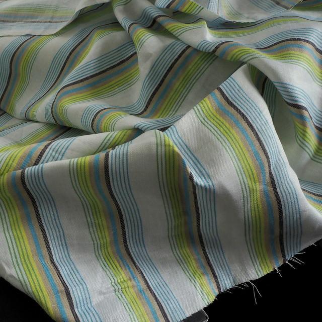100% Leinen Satin Köper als Aqua farbiger Streifen | View: 100% linen satin twill as aqua colored stripes