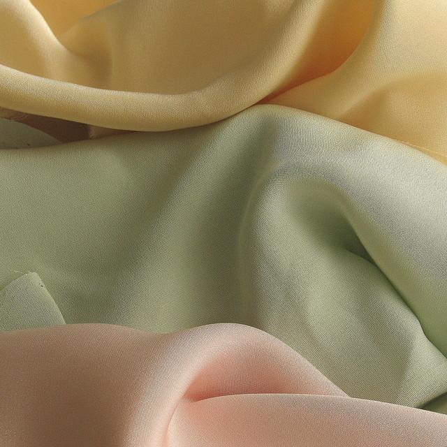 100% Reine Seide - Schwere Crepe de Chine Woll-Weiß | Ansicht: 100% Reine Seide - Crepe de Chine