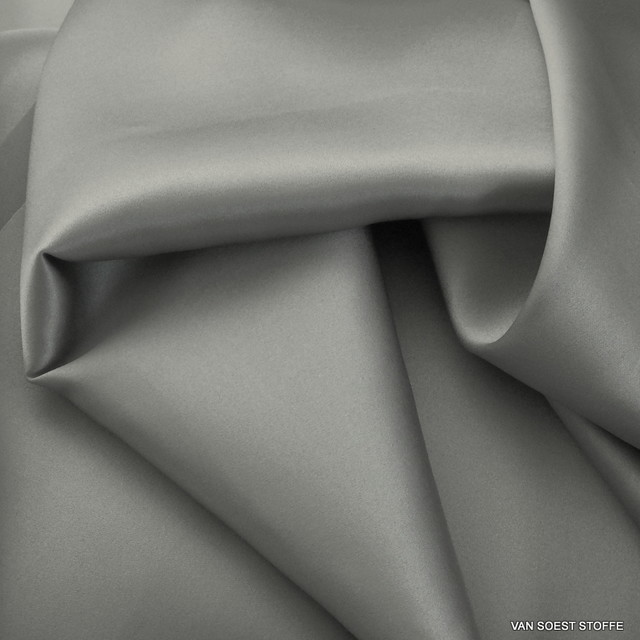 100% Stretch Satin Stoff - Stretch Seiden Satin in Silber Grau | Ansicht: 100% Stretchseide Satin in Silber Grau