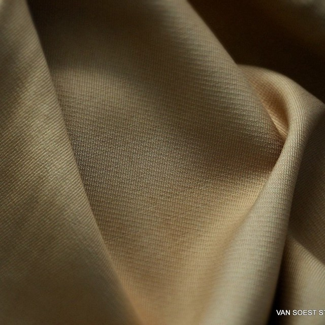 100% TENCEL ™ heavy soft twill in pigeon blue | View: 100% TENCEL ™ heavy soft twill in light Camel