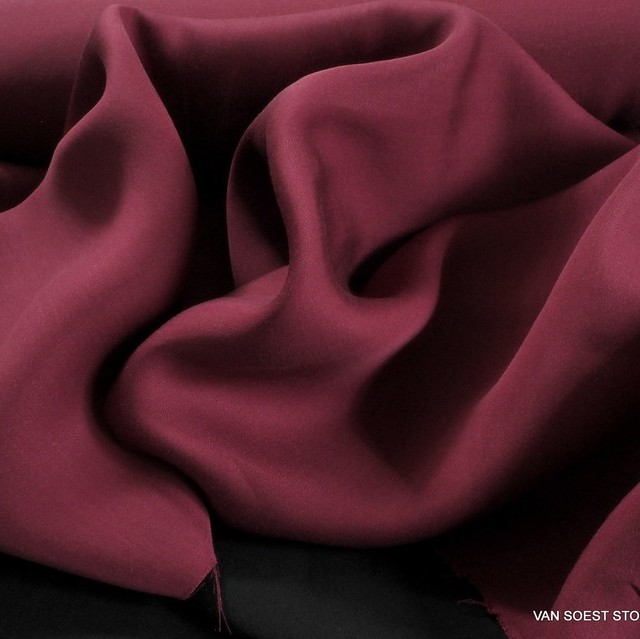 1920 - 100% TENCEL ™ super-fine natural matte satin in burgundy | View: 1916 - 100% TENCEL ™ super-fine natural matte satin in tea-rose