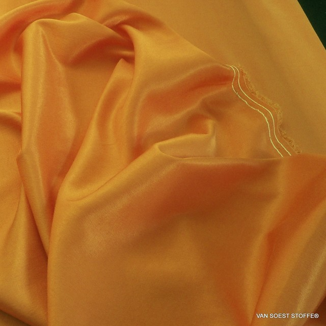 50% TENCEL™ - 50% ROLVA® Hi-Stretch Satin in tollem ORANGE | Ansicht: TENCEL® - ROLVA® Hi-Stretch Crepe Satin in Orange