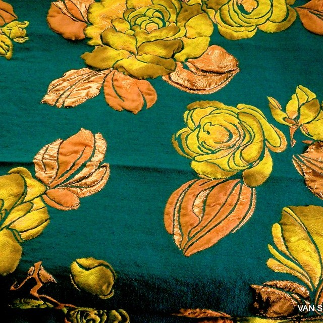 3D Firenze double roses jacquard in petrol-copper-giallo | View: 3D Firenze double roses jacquard in petrol-copper-giallo