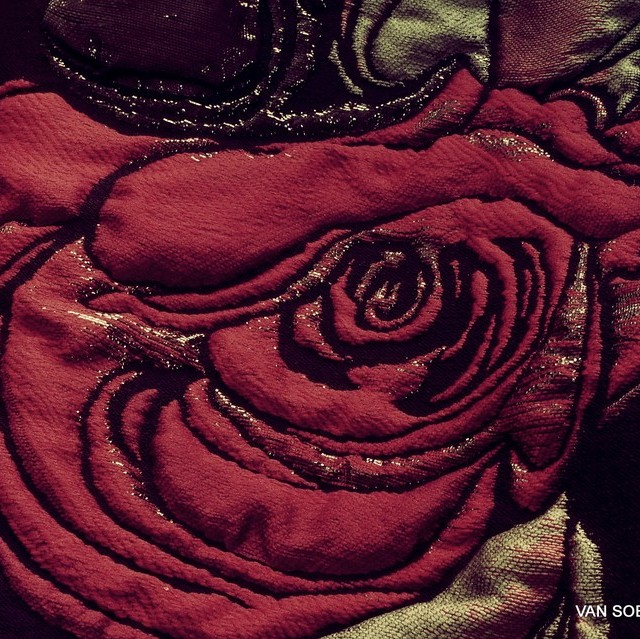 3D Firenze Roses Double Jacquard in Black Olive Rosso