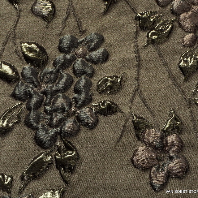 3D-Haute couture tendril jacquard in mocca-olive