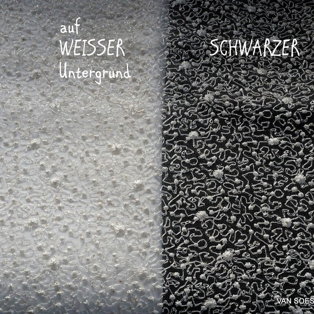 Allover mikro Blümchen auf Stretch Glitter Tüll in Off-White | Ansicht: Allover mikro Blümchen auf Stretch Glitter Tüll in Off-White