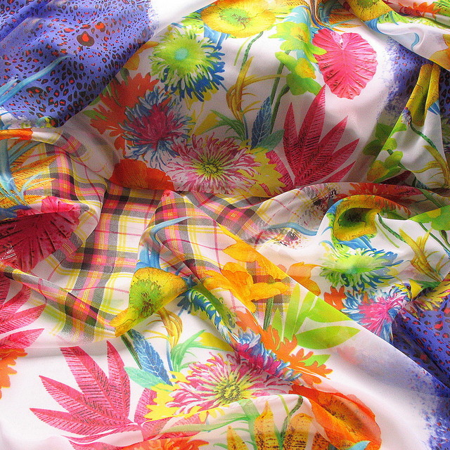 Aqua Flower Sommer Druck auf Chiffon in Lila / Orange