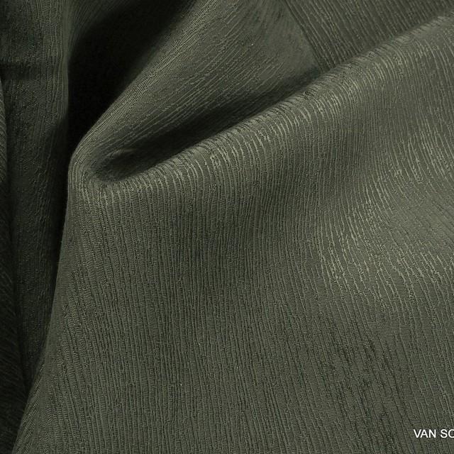 Baumrinden Crepe-Satin in TENCEL™-Cupro in Grün-Grau | Ansicht: Baumrinden Crepe-Satin in TENCEL®-Cupro in Grün-Grau