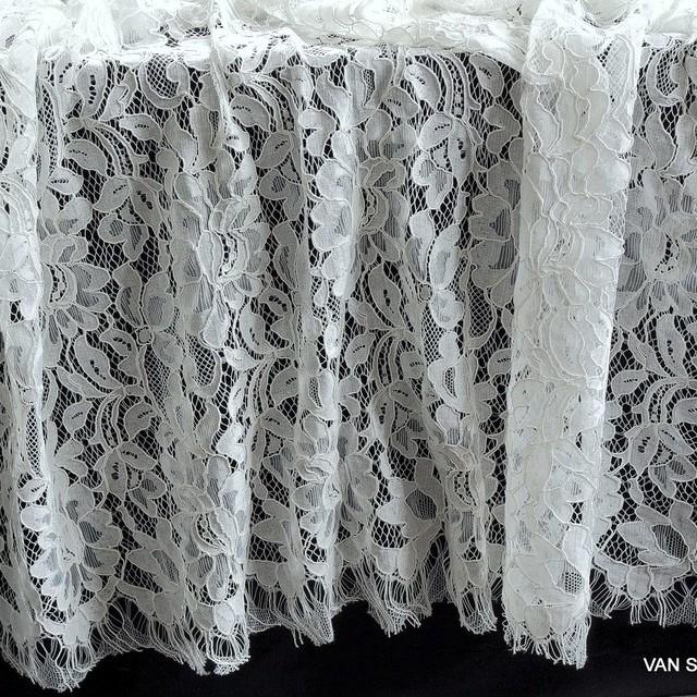 Blumen-Kordel Spitze in Off-White als Panel | Ansicht: Blumen-Kordel Spitze in Off-White als Panel