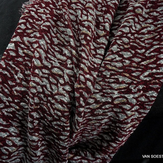 Burda style reptile stretch jersey in burgundy with subtle glitter effect | View: Burda style reptile stretch jersey in burgundy with subtle glitter effect