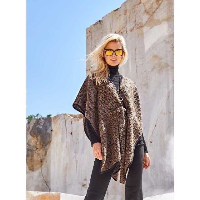 Burda style wool bouclé in darkbrown melange optic