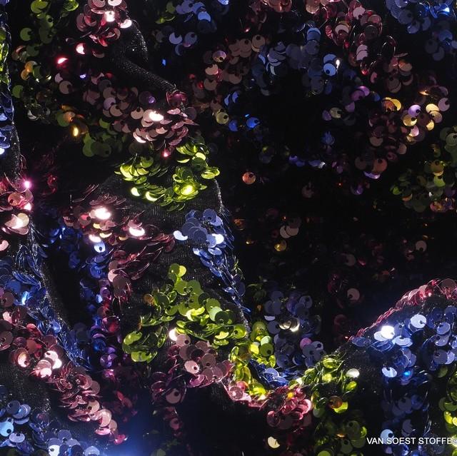 Couture 3D Pailletten Rauten - Grün Blau Rosa - auf schwarzem High Stretch Samt | Ansicht: Couture 3D sequins diamonds - green blue pink - on black high stretch velvet