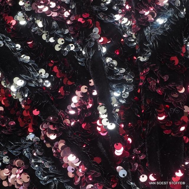 Couture 3D Pailletten Rauten - Silber Rot Rosa - auf schwarzem High Stretch Samt | Ansicht: Couture 3D Pailletten Rauten - Silber Rot Rosa - auf schwarzem High Stretch Samt