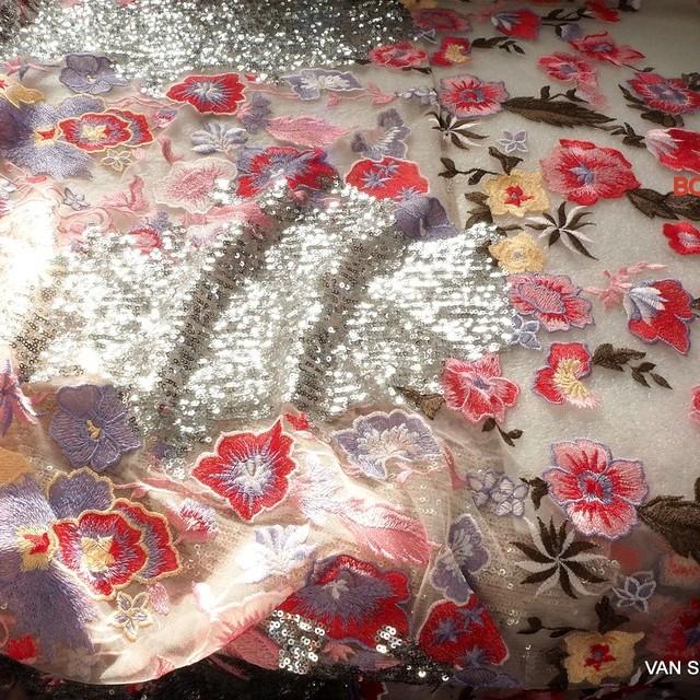 Couture Designer Blumen Pailletten Stickerei in Rosé-Rot - Silber - Bleu