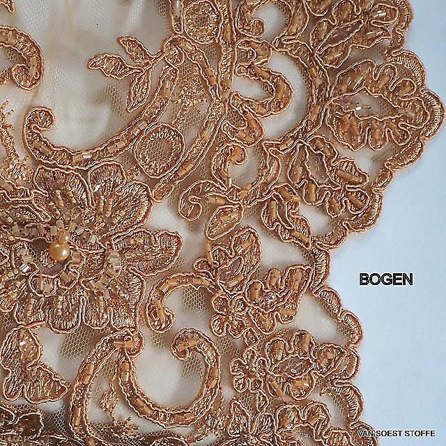 Couture Perlen und Stäbchen Stickerei in Nougat