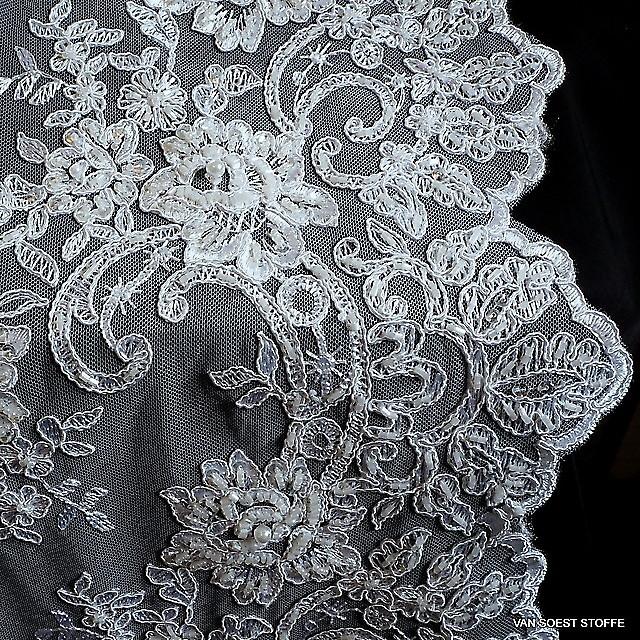 Couture Perlen und Stäbchen Stickerei in Schnee-Weiß