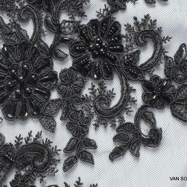 Couture Perlen und Stäbchen bestickter Spitzenstoff in Schwarz