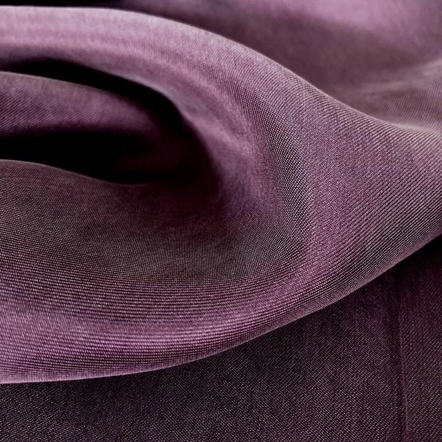Cupro-Rayon Twill Sandwashed in der Farbe Plum   Ansicht: Cupro-Rayon Twill Sandwashed in der Farbe Plum
