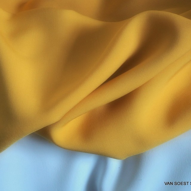 Curry farbiges 100% Viskose soft Poplin | Ansicht: Curry farbiges 100% Viskose soft Poplin
