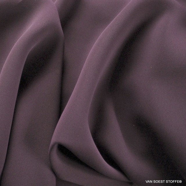 Dunkellila farbiger Vintage Luxus Tuch Satin