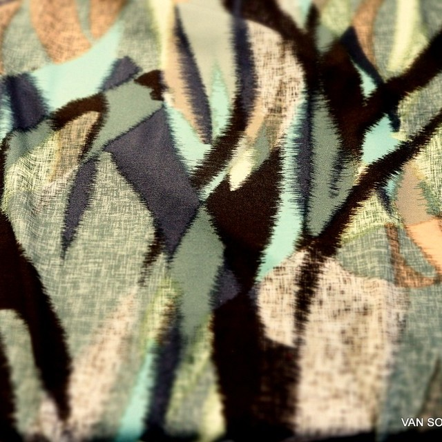 Exklusiv bedruckter Stretch Musselin Jersey | Ansicht: Exclusiv bedruckter Stretch Musselin Jersey