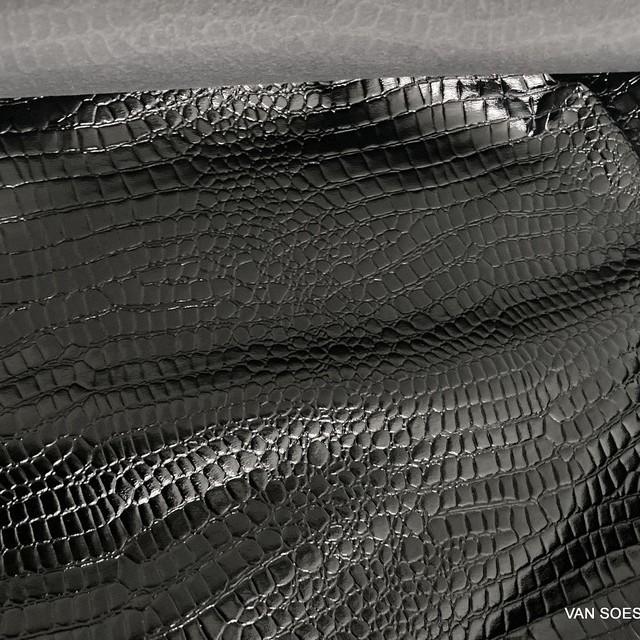 Exklusives Schlangenlackleder Imitat in Schwarz - Abseite Softfleece Schwarz | Ansicht: Exklusives Schlangenlackleder Imitat in Schwarz - Abseite Softfleece Schwarz