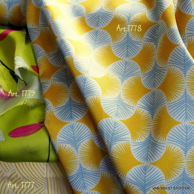 Gelb-Gold-Grauer Vintage Stretch Falter Druck   Ansicht: Gelb-Gold-Grauer Vintage Stretch Falter Druck