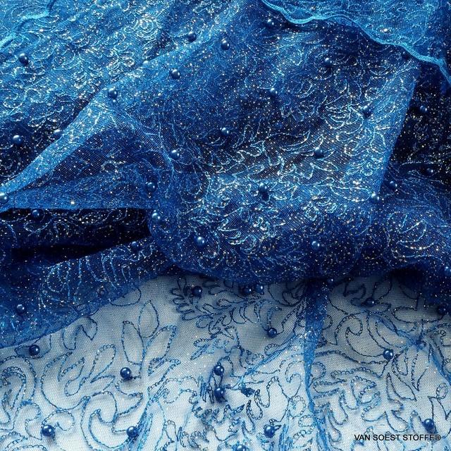 Gold Glitterstickerei mit Perlen auf Kobaltblau-farbigen Tüll | Ansicht: Gold Glitterstickerei mit Perlen auf Kobaltblau-farbigen Tüll