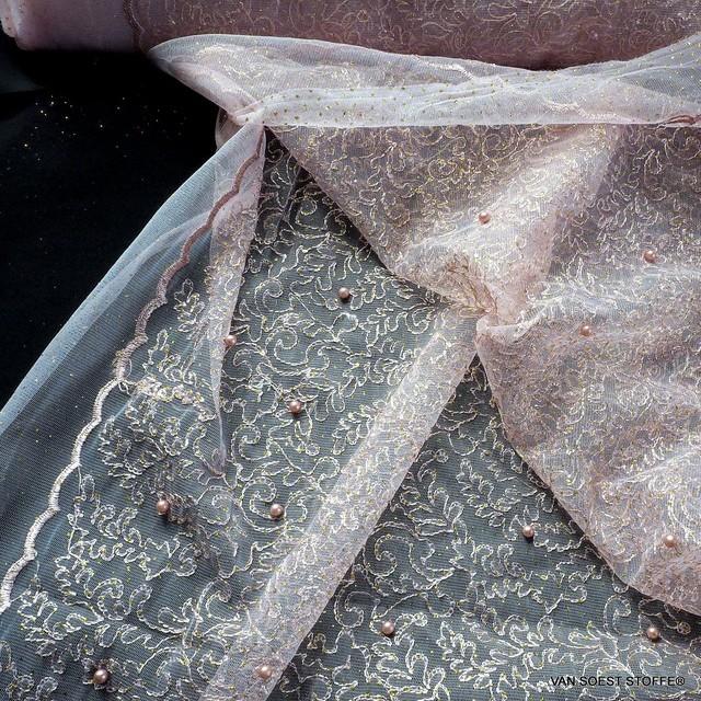 Gold Glitterstickerei mit Perlen auf Rosafarbigen Tüll | Ansicht: Ton in Ton Gold Glitterstickerei mit Perlen auf rosafarbigen Tüll