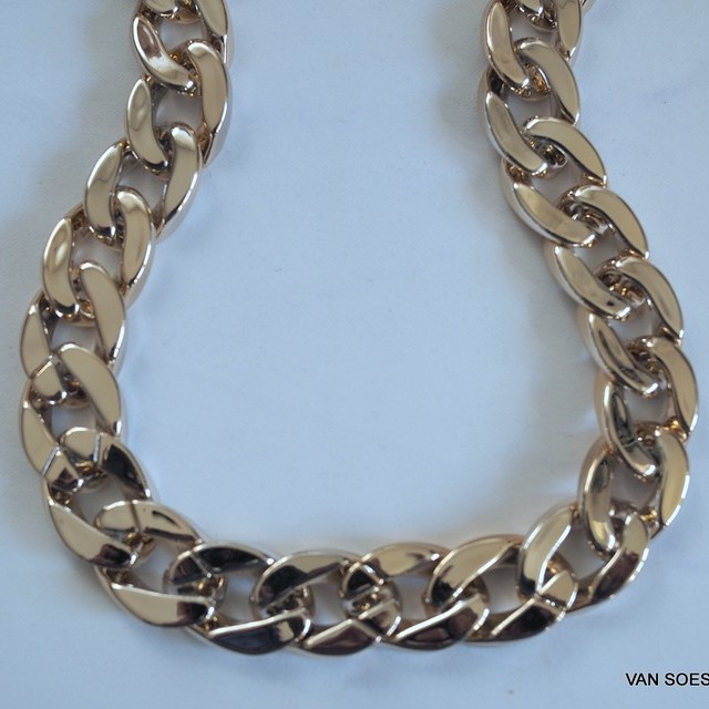 Gold chain 2 cm. - Width