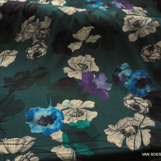 Grün-Blauer Blumen Fantasie auf feiner Strick Stoff | Ansicht: Grün-Blauer Blumen Fantasie auf feiner Strick Stoff