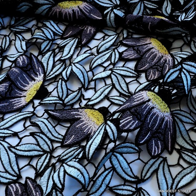 Guipure Blumen + Blätter Spitze Bleu Grau Schwarz Gelb | Ansicht: Guipure Blumen + Blätter Spitze Bleu Grau Schwarz Gelb