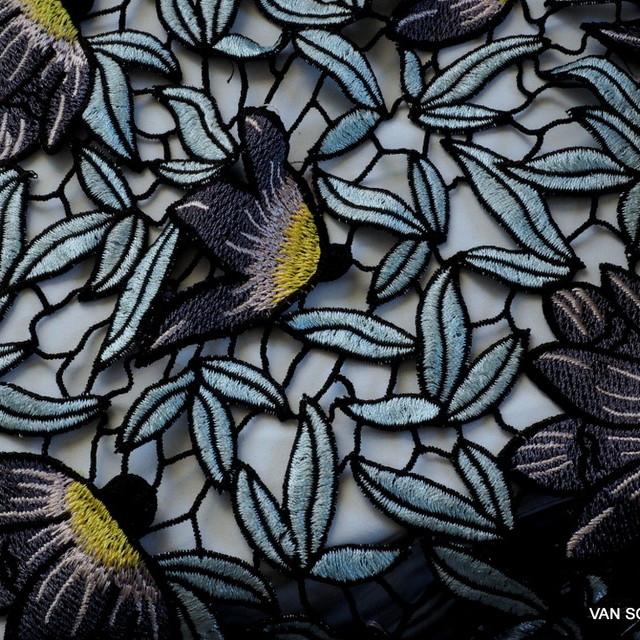 Guipure Blumen + Blätter Spitze Bleu Grau Schwarz Gelb