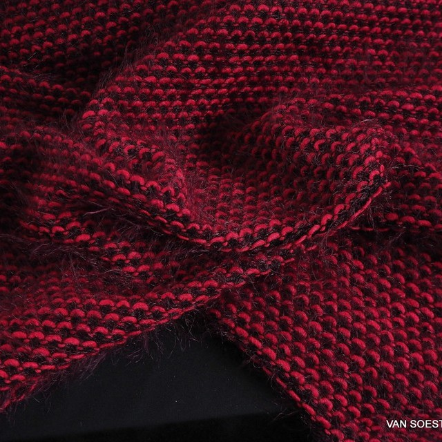 Puff-fine threads in left Knit look in red-black