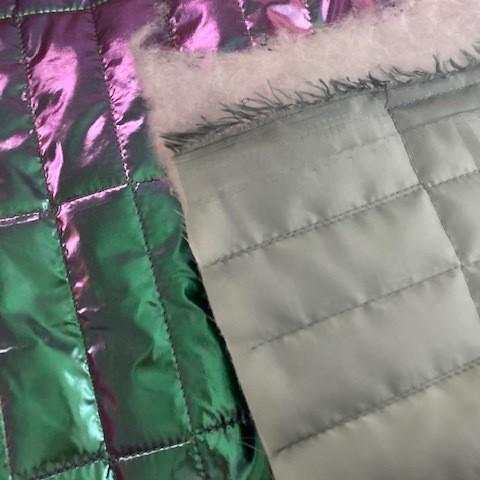 Irisierende gesteppte gefütterte Ware mint silber pink Metallic-Glanz | Ansicht: Irisierende gesteppte gefütterte Ware mint silber pink Metallic-Glanz
