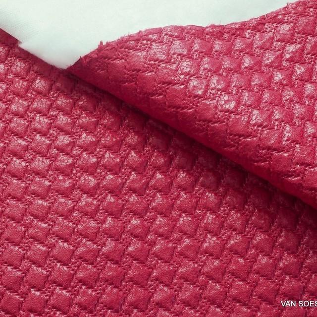 Karo Stepp in Rot   Ansicht: Karo Stepp in Rot