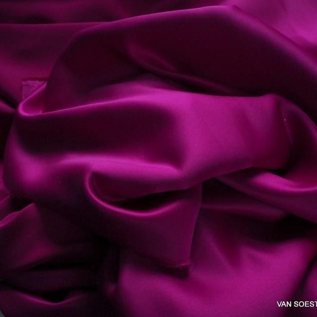 Magenta farbiger Vintage Luxus Satin | Ansicht: Magenta farbiger Vintage Luxus Satin
