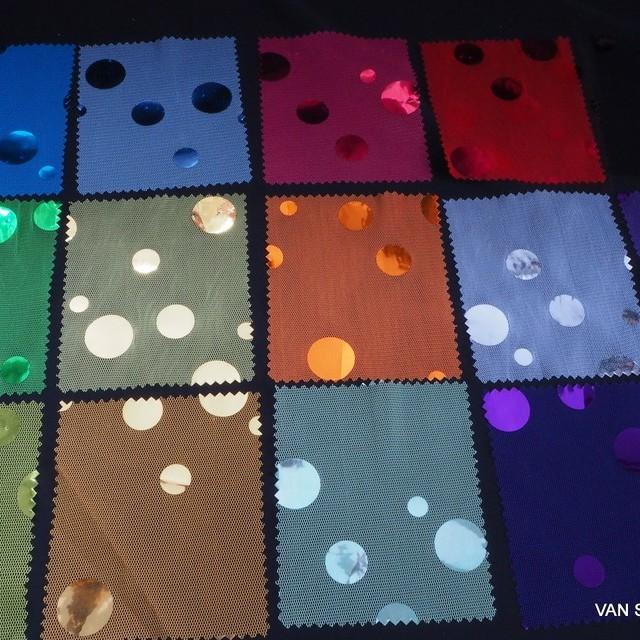 Maxi Hologram Pailletten auf gelben Stretch Tüll | Ansicht: Mögliche Farben