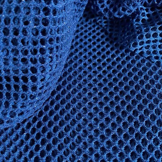 Mesh Laminata Twist -High Stretch- Königsblau mit Royalblauen eingewirkten Glanzpartikeln