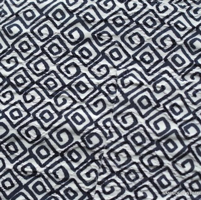 Romeo stretch seersucker printed with navy colored geometric shapes | View: Romeo stretch seersucker printed with navy colored geometric shapes