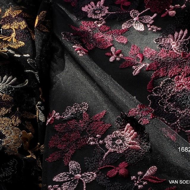 Rosa-Burgund Blumen Stickerei Spitze