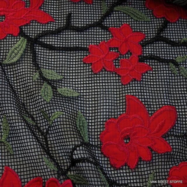 Rosen + Blätter auf schwarzen Netz Stoff