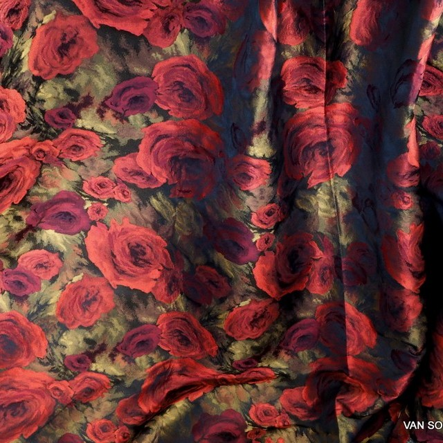 Rose shadow jacquard in red black gold | View: Rose shadow jacquard in red black gold