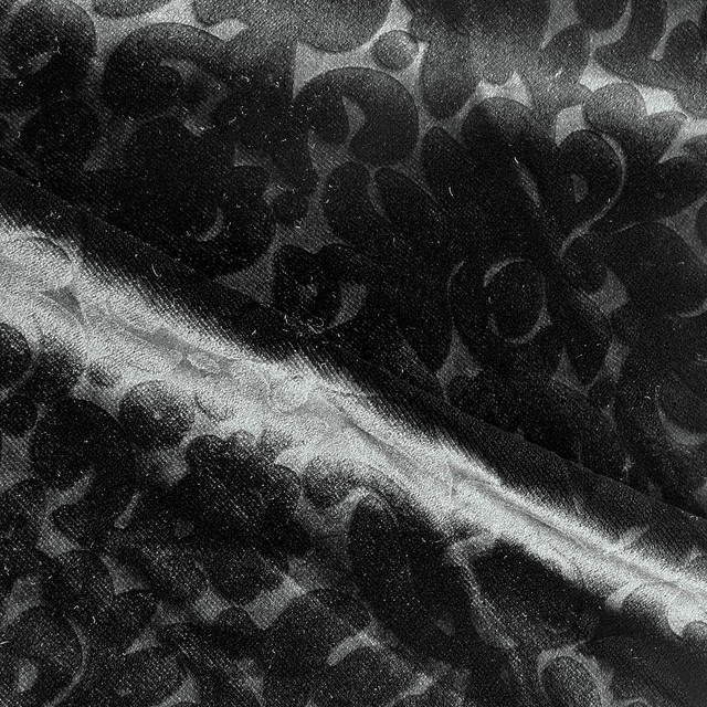 Samt Hi-Stretch als Prägesamt in Schwarz | Ansicht: Seiden Samt Ausbrenner Ranken Blümchen in Schwarz Dunkelrot Grau