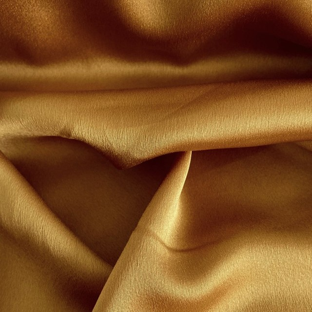 Satin mit Stretchanteil super leicht und weich fliessend in Gold   Ansicht: Satin with stretch super light and soft flowing in gold