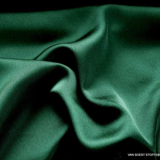 Satin mit Stretchanteil super leicht und weich fliessend in Smaragdgrün