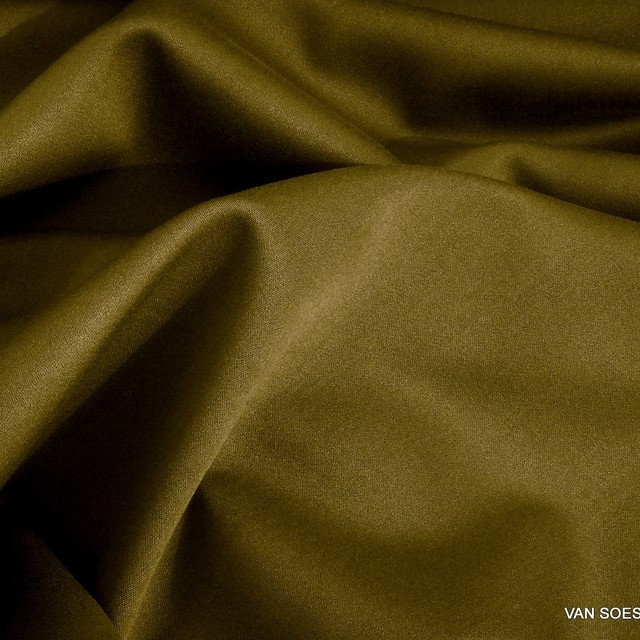 Schwere Stretch Satin in TENCEL® Mischung in Turmeric = Braun-Oliv | Ansicht: Schwere Stretch Satin in TENCEL® Mischung in Turmeric = Braun-Oliv