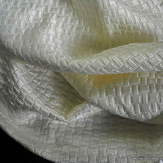 Silk-cotton satin checkered jacquard in broken-white | View: Silk-linen jacquard in off-white